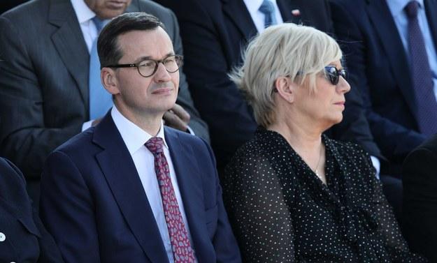 Mateusz Morawiecki i Julia Przyłębską / Leszek Szymański    /PAP