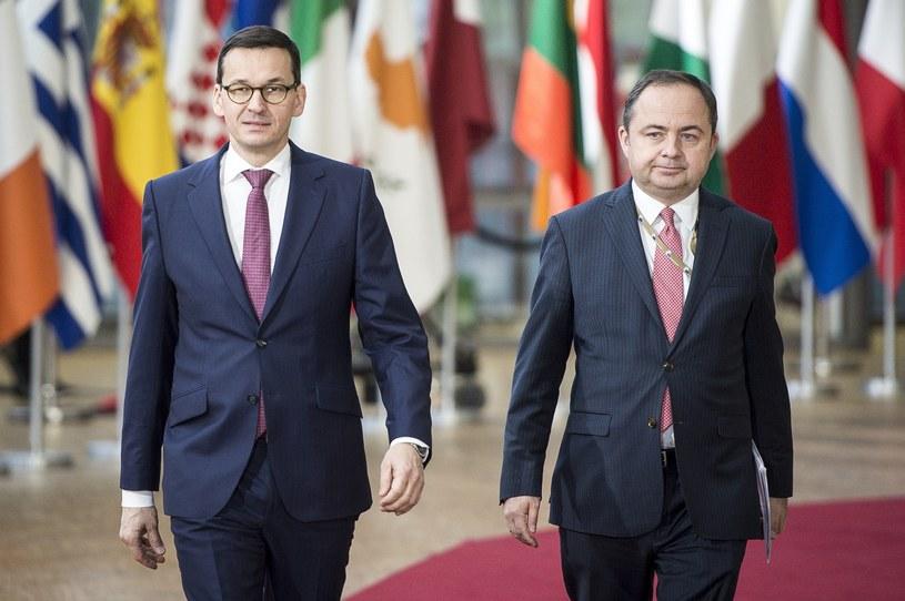 Mateusz Morawiecki i Konrad Szymański, fot. Wiktor Dabkowski /eyevine/EAST NEWS /Wiktor Dabkowski    /East News