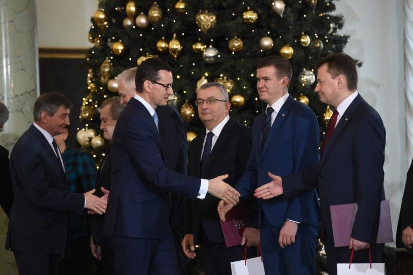 Mateusz Morawiecki i nowi ministrowie /Radek Pietruszka /PAP