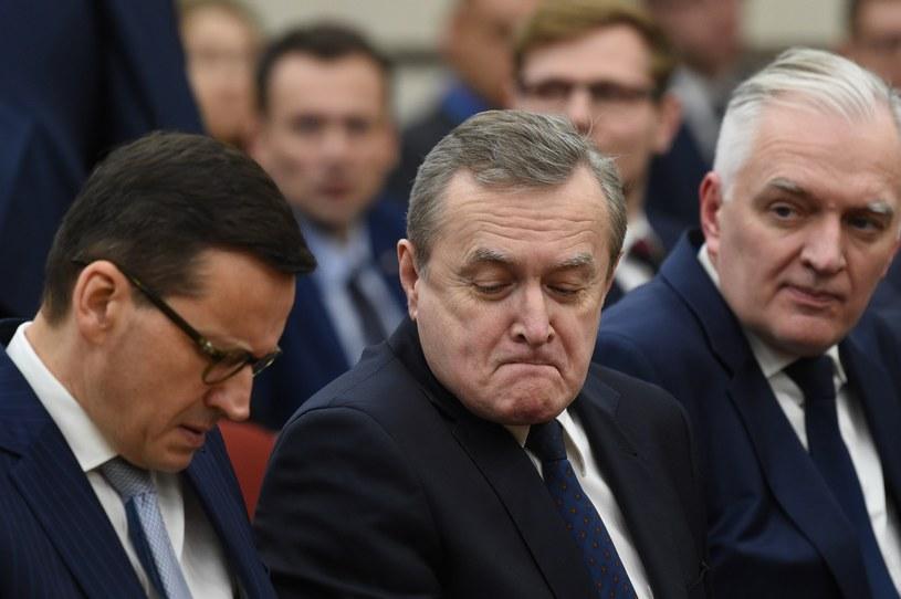 Mateusz Morawiecki, Piotr Gliński i Jarosław Gowin /Jacek Domiński /Reporter