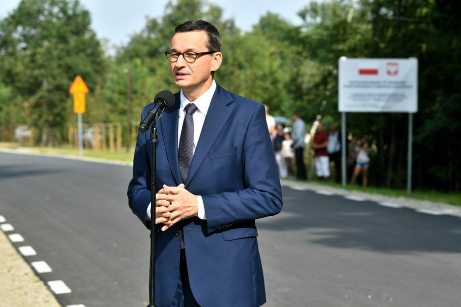 Mateusz Morawiecki podczas uroczystości otwarcia drogi Pisarzowice - Bałdowice / Maciej Kulczyński    /PAP