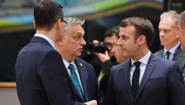Mateusz Morawiecki, Viktor Orban i Emmanuel Macron / Radek Pietruszka   /PAP