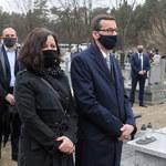 Mateusz Morawiecki z żoną na pogrzebie Krzysztofa Krawczyka. Przyjechali wprost z Wawelu!