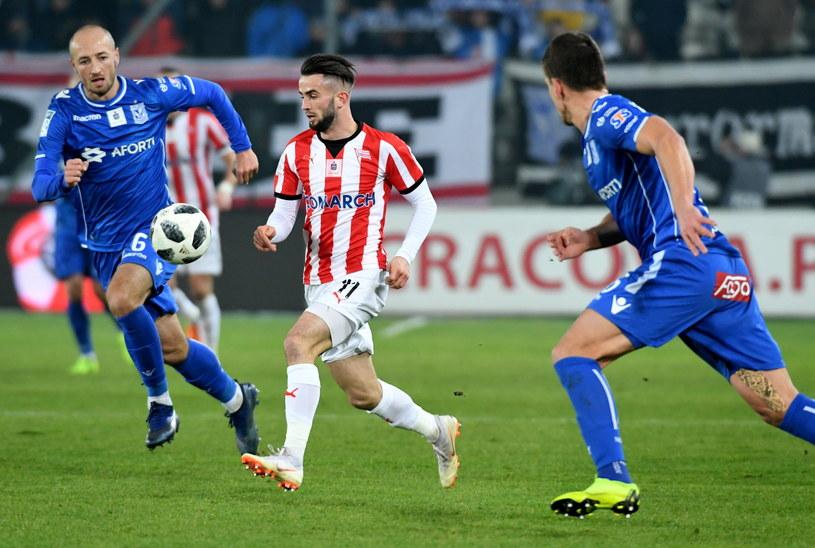Mateusz Wdowiak w meczu z Lechem Poznań /Jacek Bednarczyk /PAP