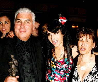 Matka Amy Winehouse przerywa milczenie. Zabrała głos