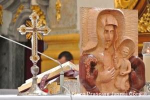 Matka Boska w rękawicach bokserskich nie obraża uczuć religijnych