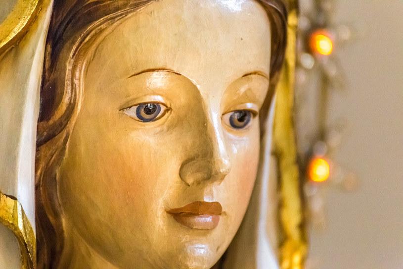 Matka Boża zajmuje szczególne miejsce w sercach chrześcijan /123RF/PICSEL