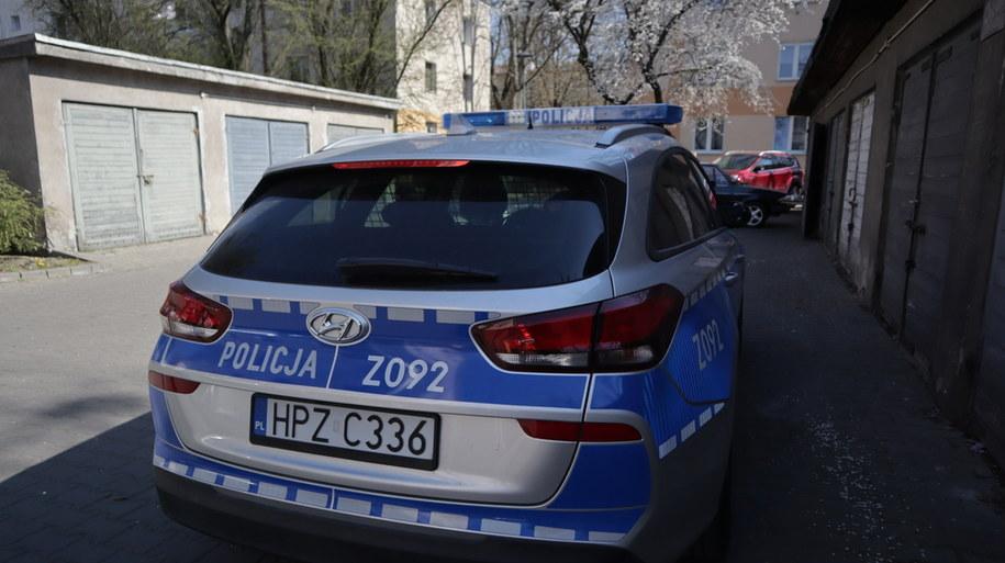 Matka i dwóch mężczyzn zatrzymani w związku z przestępstwem pedofilii. Zdjęcie ilustracyjne /Piotr Szydłowski /RMF FM