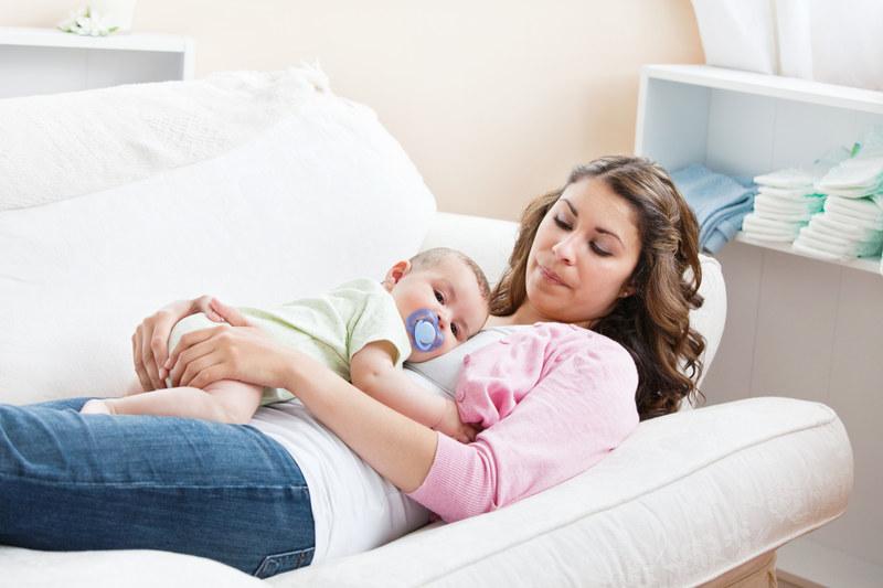 Matka ma prawo do szczególnej pomocy państwa przed i po urodzeniu dziecka /© Panthermedia