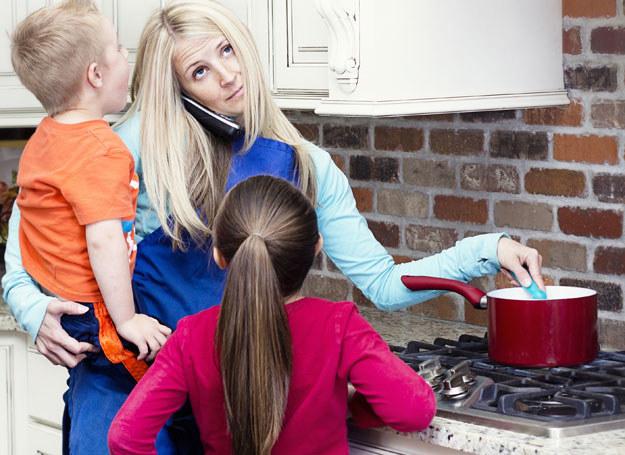 Matka to najcięższa rola społeczna i ta rola jest najbardziej niedoceniana przez nasze społeczeństwo /123RF/PICSEL