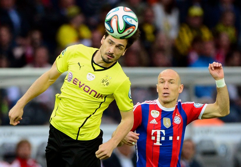 Mats Hummels i Arjen Robben /AFP
