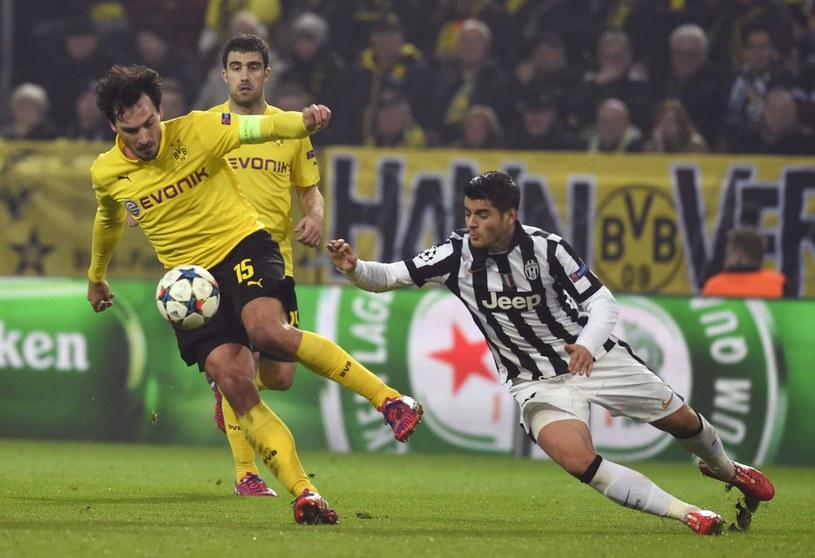 Mats Hummels (z lewej) w meczu z Juventusem /AFP