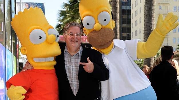 Matt Groening z powołanymi przez siebie do życia bohaterami - fot. Valerie Macon /Getty Images/Flash Press Media