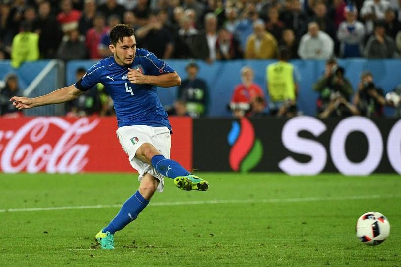 Matteo Darmian podczas serii rzutów karnych w ćwierćfinale Euro 2016 /AFP