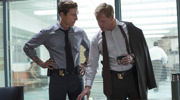 """Matthew McConaughey i Woody Harrelson w nowym serialu HBO - """"Detektyw"""". /materiały prasowe"""