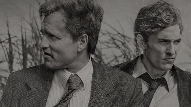 "Matthew McConaughey i Woody Harrelson w serialu ""Detektyw"" /HBO"