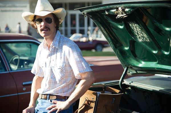 """Matthew McConaughey w filmie """"Witaj w klubie"""" /materiały dystrybutora"""