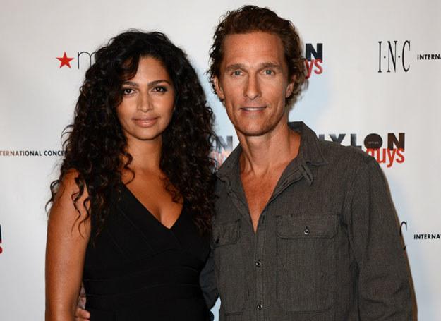 Matthew z żoną Camillą /Getty Images