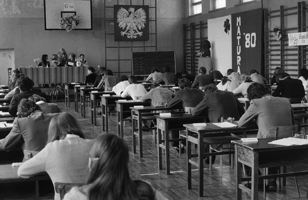 Krystyna Starczewska: Polska szkoła ostatnich trzech lat to powrót do  autorytarnego systemu nauczania z czasów PRL-u - Biznes w INTERIA.PL