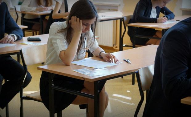Matura 2016: Dziś egzaminy z chemii i geografii