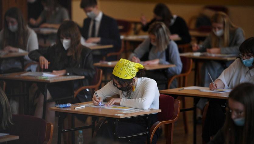 Matura 2021: Egzaminy z chemii i języka niemieckiego [ARKUSZE]