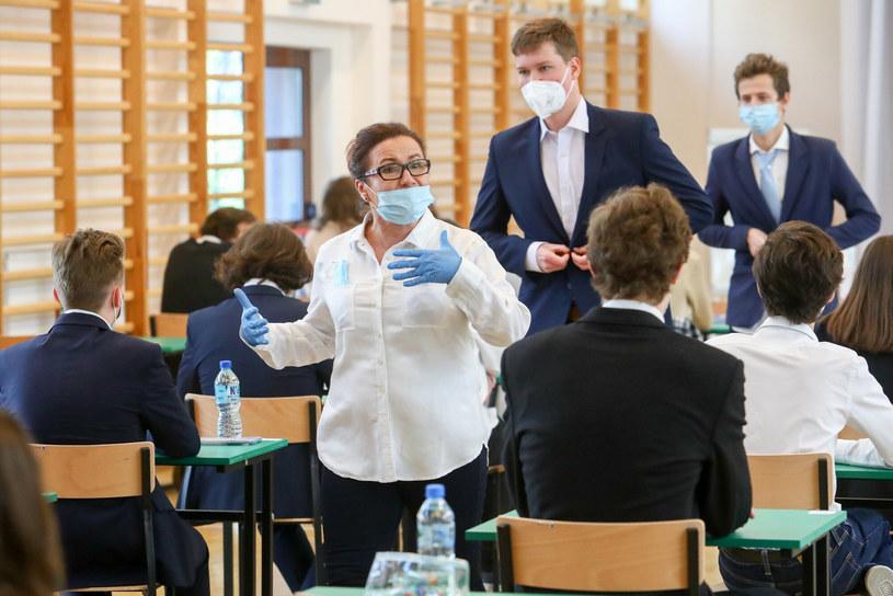 Matura 2021 odbywa się w reżimie sanitarnym /Tomasz Jastrzębowski /Reporter