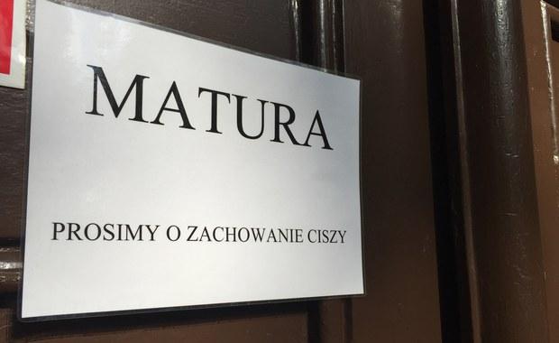 """Matura z języka polskiego. Przygotuj się do egzaminu z RMF FM i """"DGP""""!"""