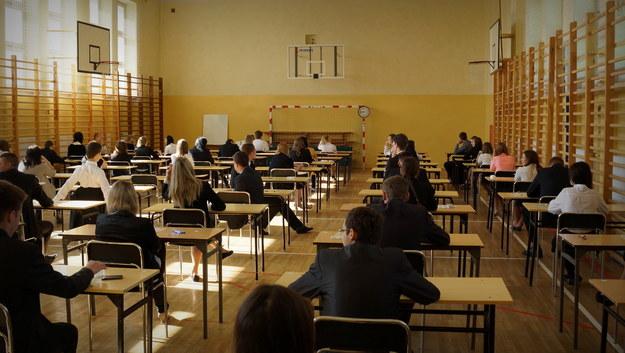 Maturzyści przed egzaminem /Michał Dukaczewski /RMF FM