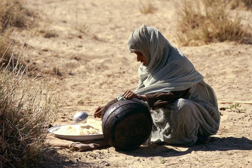 Mauretańska dieta opiera się m.in. na kaszy kuskus, maśle i mleku /Jacques SIERPINSKI/Gamma-Rapho via Getty Images /Getty Images