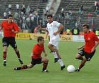 Mauro Cantoro (w środku) nie miał najlepszego dnia /Agencja Przegląd Sportowy