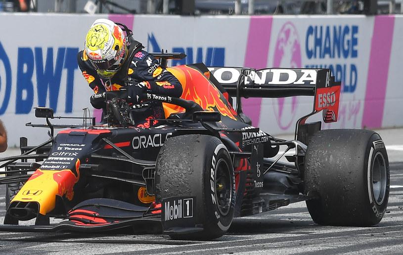 Max Verstappen prowadzi w klasyfikacji generalnej kierowców w tym sezonie /AFP