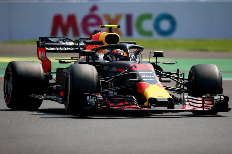 Max Verstappen on wheel / AFP