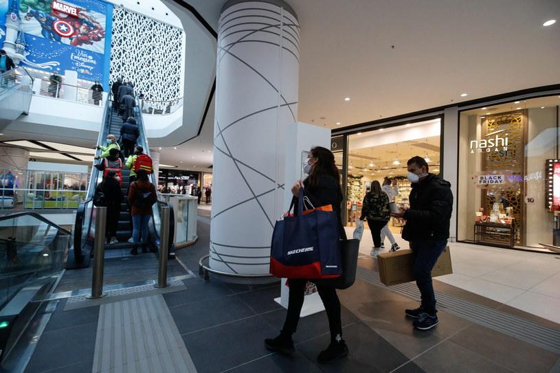 Centrum handlowe Maximo w Rzymie - 160 sklepów, barów, restauracji na 65 000 m² / PAP / EPA