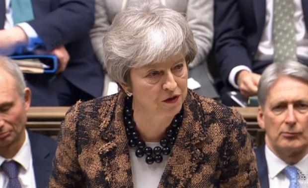 May: Nie będzie opłaty za rejestrację obywateli UE
