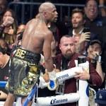"""Mayweather pokonał McGregora. """"Stoczyłem ostatnią walkę"""""""