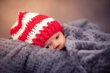 Mąż odebrał poród na korytarzu, dziecko okrył kurtką