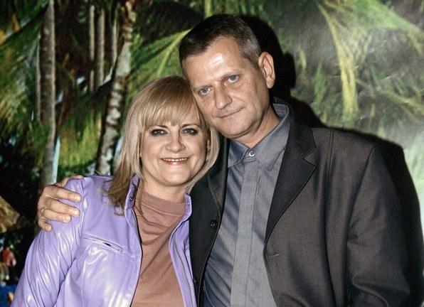 Mąż Przemysław Buksakowski cały czas jest w jej sercu. /- /AKPA