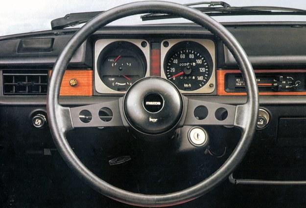 Mazda 323 (FA) /Mazda