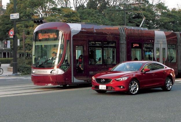 Mazda czyni kolejny krok ku autonomicznym pojazdom /