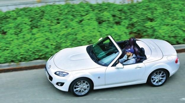 Mazda MX-5 - ten sam, ponadczasowy styl od 1989 roku. /Motor