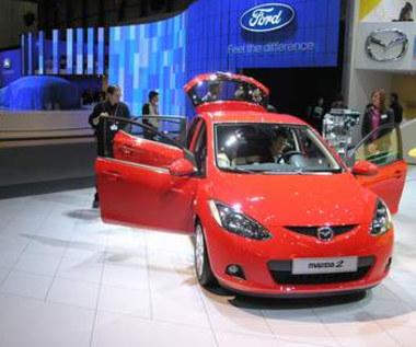 Mazda2 na zdjęciach i filmie