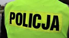 Mazowieckie: Pasażer pociągu ranił nożem policjanta