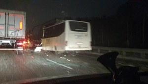 Mazowsze: Poważny wypadek na S8. Zderzenie autokaru i dwóch ciężarówek