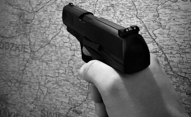 Mazowsze: Strzały ostrzegawcze podczas próby zatrzymania samochodu. Trwa obława