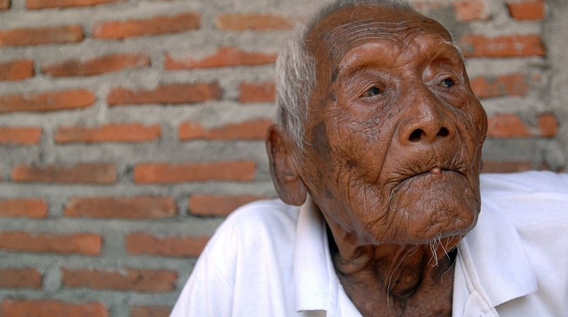 Mbah Gotho - prawdopodobnie najstarszy człowiek na świecie /Getty Images