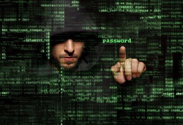 mBank ostrzega swoich klientów - mogą paść ofiarą hakerów /©123RF/PICSEL