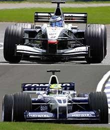McLaren MP4-16 i Williams FW23 /poboczem.pl