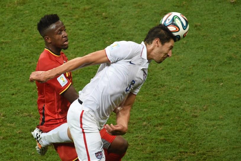 Mecz Belgii (czerwone stroje) z USA zakończył sie zwycięstwem tych pierwszych 2-1 po dogrywce /AFP