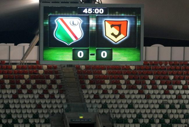 Mecz Legii z Jagiellonią został przerwony po 45 minutach /Bartłomiej Zborowski /PAP