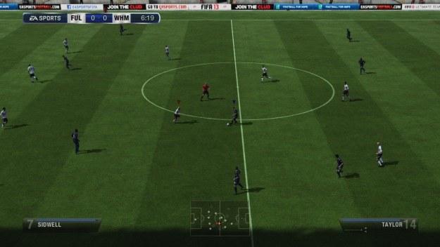 Mecz przebiega w bardzo dynamicznym tempie. FIFA 13 to połączenie najlepszych cech symulatorów piłki /Informacja prasowa